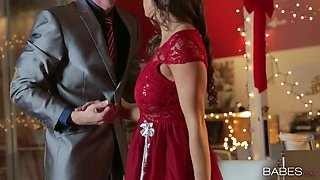 Beautiful Abigail Mac fucks her BF on Christmas Eve