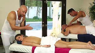 Amazing wife takes care of the two masseurs with her mouth