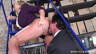 corinna blake gets pussy licked and fingered by agent tommy gunn