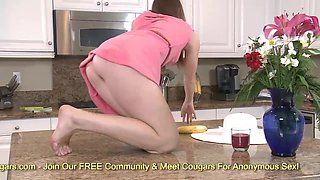 Deicious blonde Shae Snow Rubbing her pussy in kitchen